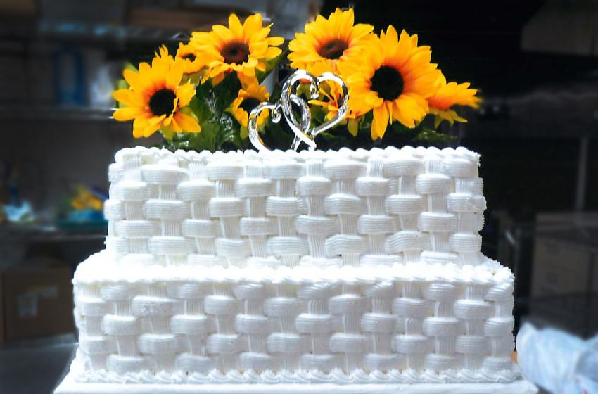 Wedding Cake Basket