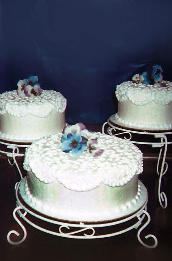 Holland Farms Birthday Cakes